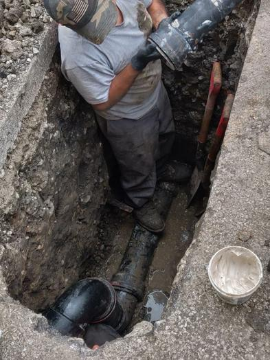 Installing Cast Iron Sewer Pipe